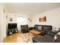 Well presented two bedroom flat, Easy access to Heathrow and M3