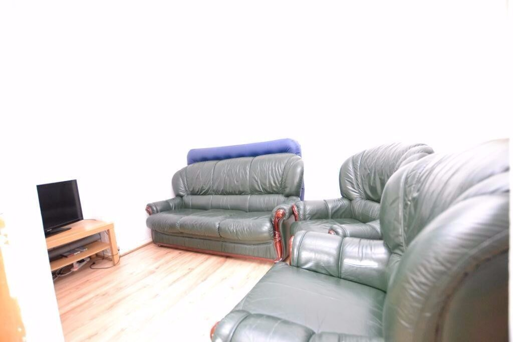LUXURY 4 BEDROOM FLAT IN BETHNAL GREEN, EASY ACCESS TO TRANSPORTS + NEWLY REFURBISHMENT!