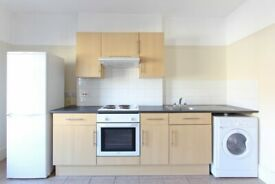 Lovely 1 bed flat in Streatham. C-TAX, WATER RATES and REGULATED HEATING INCLUDED.