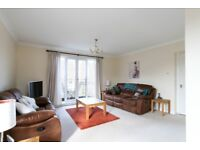 Ref 889 - Spacious 3 bed top floor flat with allocated parking, 2 bathrooms at Roseburn Maltings