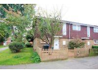 3 bedroom house in Hobill Walk, Surbiton, KT5