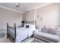 Cast Iron 'Carrick' Double Bed with Mattress