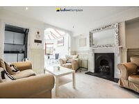Outstanding Five Double Bedroom Gated House Finished to a Modern Standard Throughout.