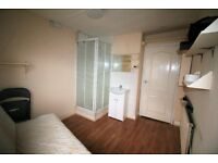 WEST GREEN ROAD, N15 - **ELECTRIC & GAS BILLS INCLUSIVE OF RENT FOR £600pcm SINGLE OCCUPANCY ONLY **