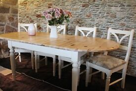 Lovely cream pine farmhouse style extendable table and 4 upholstered chairs