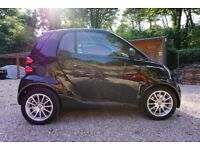 Smart Fourtwo 1.0L,Black with striking Ltd Edition cherry red interior