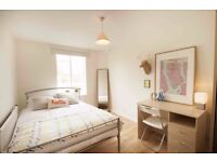 Double Bed in 3 Rooms in Stylish 4 Bedroom Property in Islington, London