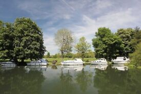 Boat Mooring to Rent on River Thames Pangbourne/Whitchurch upon Thames