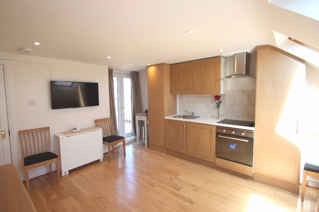1 Bedroom Flat to Rent in Hendon - Ideal for Professionals - Near Hendon Station - Furnished