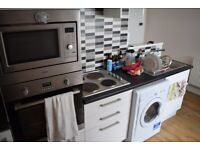 *SEPTEMBER 2020* SB Lets are delighted to offer a large fully furnished top floor 1 bedroom flat