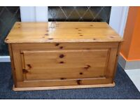 Solid Pine Wood Storage Toy Chest Blanket Bedding Box Delivery Available Rushden