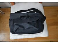 Camera bag Case, black, separate compartment for memory card / batteries