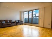 AMAZING TOP FLOOR MODERN 3 BED 3 BATH IN ALDGATE - 645 PW