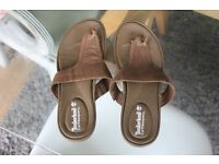 Very good condition comfy Leather Timberland sandals