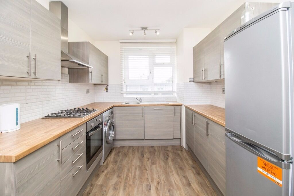 A LUXURY 4 BEDROOM APARTMENT TO RENT IN SHOREDITCH DECORATED TO HIGH QUALITY