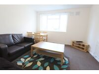 2 bedroom flat in Hartington Court, Lansdowne Way, Stockwell, SW8