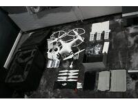 Dji Phantom 3 advanced Drone - 3 batteries - lots of extras