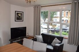 4 Bedroom holiday house, 2 bathrooms, minimum booking 3 nights, 10 minutes to tube station