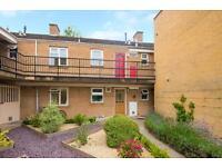 2 bedroom flat in Olney Court, Marlborough Road, Grandpont