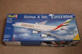 Model Kit - Aeroplane Emirates A380 Airbus