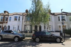 AMAZING REFURBISHED 3 DOUBLE BEDROOM 3 BATH FLAT BY ZONE 2 TUBE, TRAIN & 24HR BUSES NR C LONDON