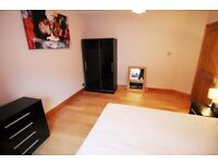 5 Mins To Town Centre, Large Double Room, Friendly Mixed Houseshare, All bills included!