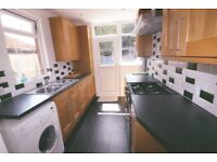 4/5 Bed semi detached house to rent in limbury , Leagrave area £1450 pm