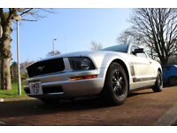 FORD MUSTANG 4.0 V8 AUTO SILVER WITH BLACK AWESOME CAR NEEDS TO BE SEEN AND DRIVEN