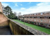 A three bedroom split-level flat to rent situated within this popular Southfields block.