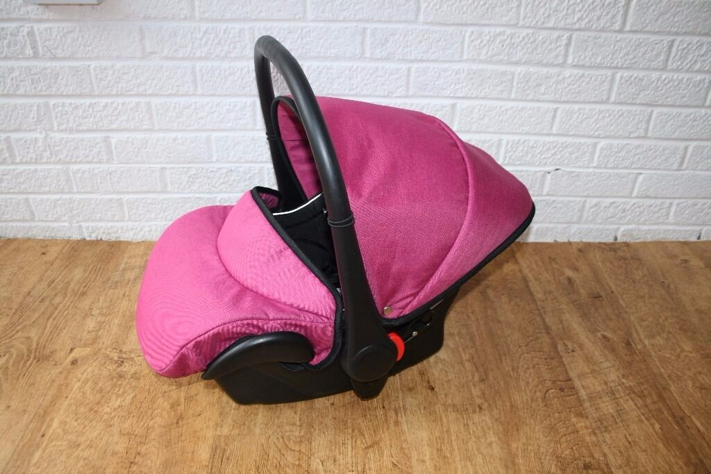 Pink / Black Venicci infant car seat group 0 ****CAN POST***