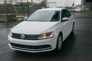 2016 Volkswagen Jetta Trendline + Low KM Sedan! Must See!