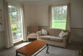 1 Bed flat for rent in Langbank available immeditely, close to M8 and local train station
