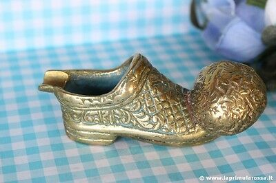 SCARPA VINTAGE IN OTTONE CON PALLONE POSACENERE / BRASS MINIATURE SHOE ASHTRAY
