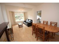A superb one bed garden flat in zone 2 Bills Included