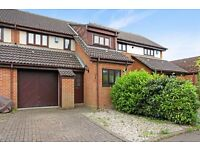 3 bedroom house in Hatch Place, Kingston upon Thames, KT2