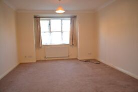 Two bedroom apartment in the popular location of Isleworth