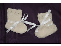 100%cashmere 1ply babies christening bootees