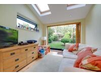 2 bedroom flat in Churchill Road, London, NW2