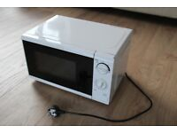 Tesco Solo Microwave MM08 - 17 Litre 700W
