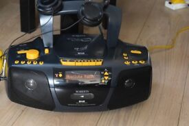 ROBERTS DAB RADIO/CD/SD/CASSETTE RECORDER CAN BE SEEN WORKING