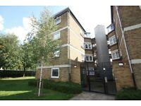 WELL PRESENTED 3-4 BED FLAT AVAILABLE IN SEPTEMBER- IDEAL FOR STUDENTS