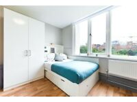 STUDENT ROOM TO RENT IN BELFAST. EN-SUITE AND STUDIO WITH PRIVATE ROOM, BATHROOM AND STUDY SPACE