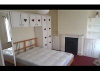 lovely double room to rent only 5 mins away from station