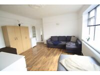 UNMISSABLE TWIN ROOM IN MANOR HOUSE ***EXCLUSIVE AREA //FREE WII FII//***