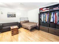 Studio flat in Wood Close, Shoreditch, E2
