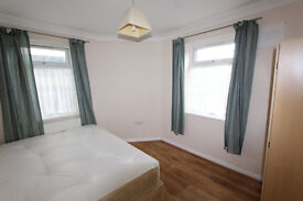 ***2 Single Rooms Available in the Same Cosy House near Walthamstow***