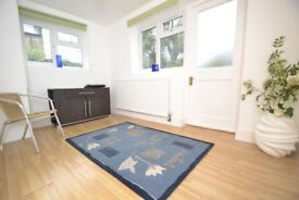 A lovley ground floor one bedroom flat with garden close to Stroud Green Road, N4