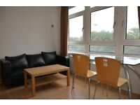 With own bathroom, toilet and balcony, big room in real Canary wharf area, close to stations