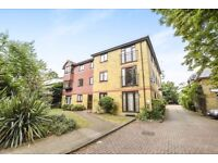 MODERN FIRST FLOOR 1 BED FLAT IN THE AVENUE CLOSE TO STATION ALLOCATED PARKING UNFURNISHED
