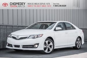 2014 Toyota Camry SE cuir toit mags FULL